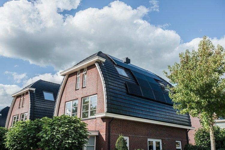 gebogen-dak-zonnepanelen
